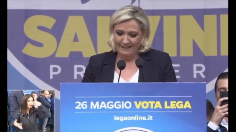 Grande réunion publique à Milan avec Matteo Salvini discours de Marine Le Pen
