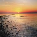 @ natakenig39 - Морской прибой кудрявой пенойЛаскает бережно песок.И вечер розоватой лентойЛожится медленно у ног. Доброй но