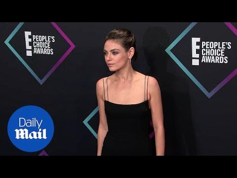 Mila Kunis is bold in black at the 2018 People's Choice Awards