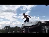 Lil Pump попытался прыгнуть в толпу [NR]