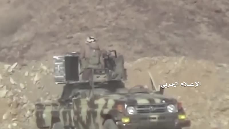 Хуситы в боях с армией Хади в районе Нихм.