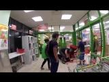 Охраник магазина «Пятёрочка» в Москве избил покупателя. [ПОДСЛУШАНО КОБРИН]