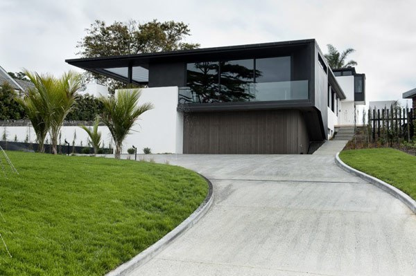 Lucerne Residence / Daniel Marshall Architects