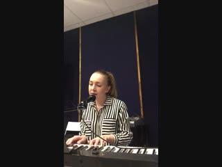 Педагог вокала Анастасия Пахомова