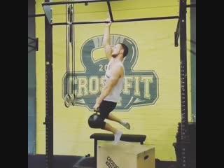 Strength of Body. Подтягивания на одной руке с гирей 16 кг