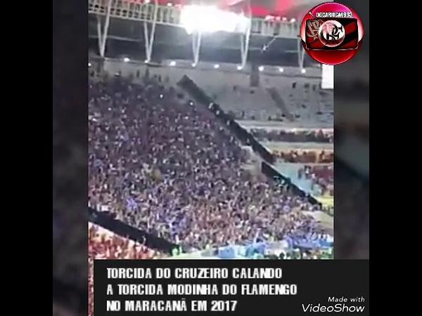 Torcida do Cruzeiro calando a torcida selfie modinha do Flamengo em 2017