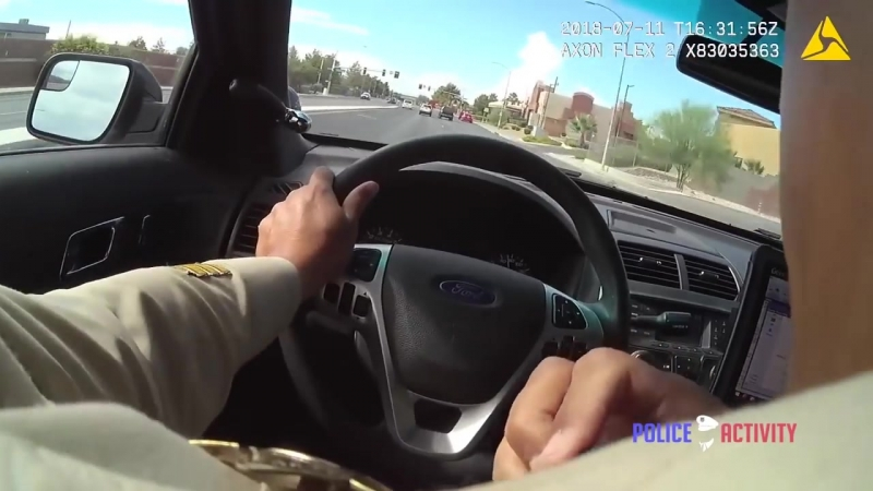 В Лас-Вегасе пара мексиканских бандитов расстреляли на автомойке третьего, после чего за ними погналась...