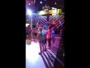Танец детей на шоу Огромных мыльных пузырей и прикольный Человек-Маска