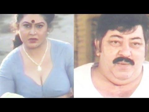 Amjad Khan Staring at Woman's Cleavage - Danga Fasad Comedy Scene