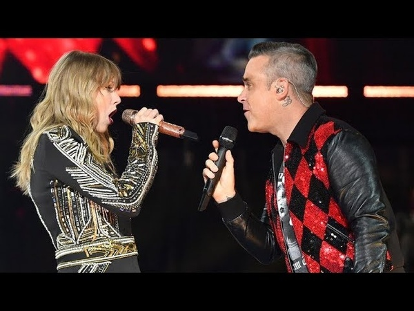 Robbie Williams and Taylor Swift Angels live at Wembley
