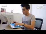 Важная работа за компьютером, настоящий Е Цун из фильма