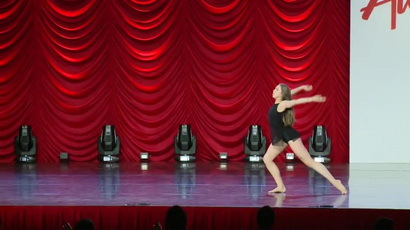 Tate McRae Woman Teen Best Dancer Winner