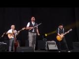 Jethro Tulls Ian Anderson - Locomotive Breath - Isle of Wight Festival 2015 - Live