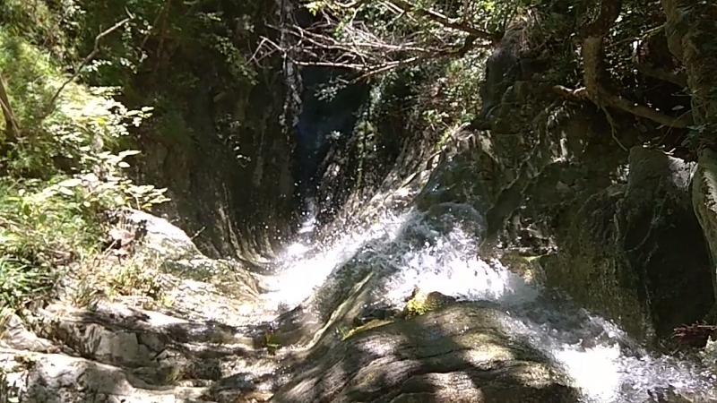 Водопад желоб в балке Прохаскина Вид сверху
