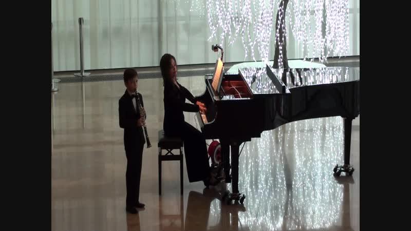 Д.Мийо. Маленький концерт для кларнета и фортепиано 2-я и 3-я части.
