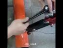 С таким инструментом легко резать трубы