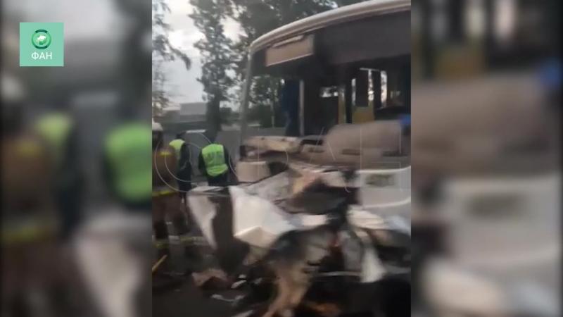 Появилось видео с места страшного ДТП на Петергофском шоссе
