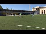 Фрагменты футбольного матча между командами из Томска и Омска