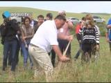 Министр сельского хозяйства показал мастер-класс по кошению травы