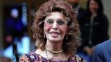 84-летняя Софи Лорен вышла в свет актриса в облегающем вечернем платье восхитила публику