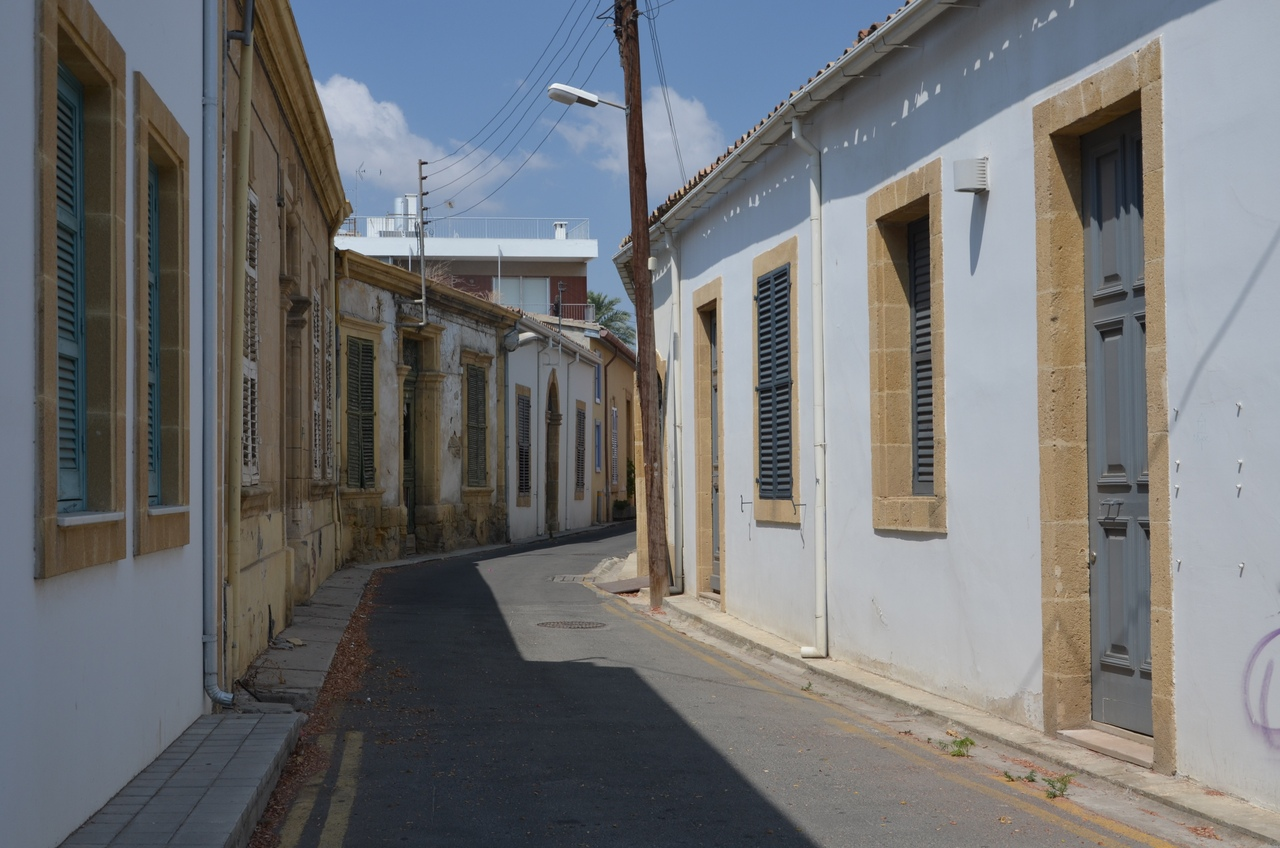 8339iemF65E Никосия (Лефкосия) столица Кипра.