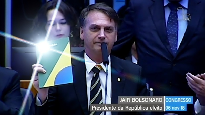 Bolsonaro é Chamado de Mito no Congresso Nacional em Brasília e Recebe Aplausos - 06/11/2018