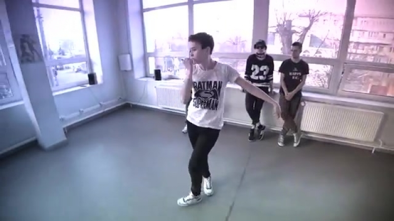 Танец под HammAli Navai - Пустите меня на танцпол (Танцующий Чувак)