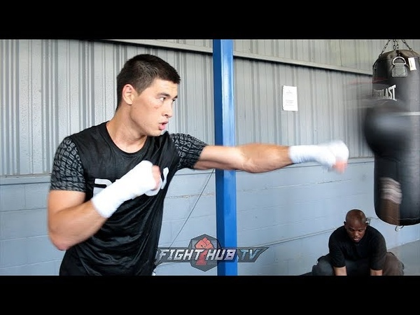 DMITRY BIVOL'S UNORTHODOX MOVEMENT POWER ON FULL DISPLAY IN BOXING WORKOUT
