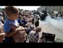 В Курске на параде перевернули танк😱