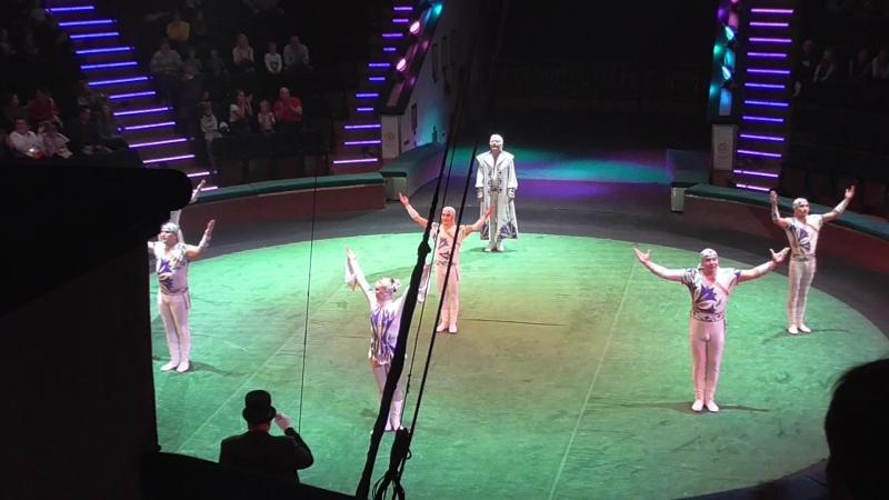 Цирки мира. Белорусские наездники.
