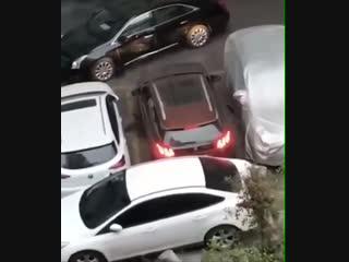 Как выехать если машину заблокировали