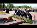В День памяти и скорби чебоксарцы возложили цветы и венки к Вечному огню и почтили память павших воинов у братской могилы.