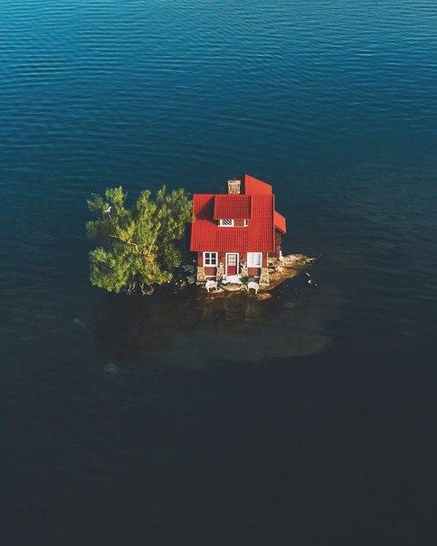 Самый маленький обитаемый остров в мире