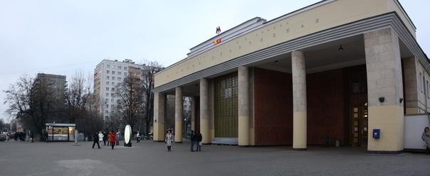 Вход в вестибюль станции Спортивной  26 ноября 2017
