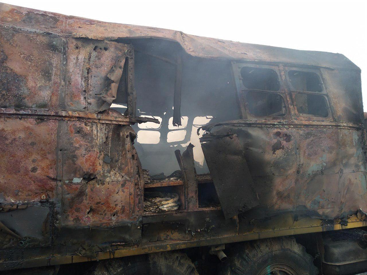 Видео с места обстрела автомашиныКП «Вода Донбасса». Ранения получили три человека