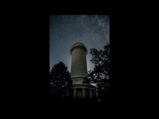 ночь в одно мгновение... В этом видео сшито 250 фотографий, каждый снимок с выдержкой в 30 секунд....