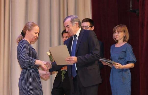 В Усть-Илимске состоялся праздничный концерт в честь Дня дошкольного работника и Дня учителя