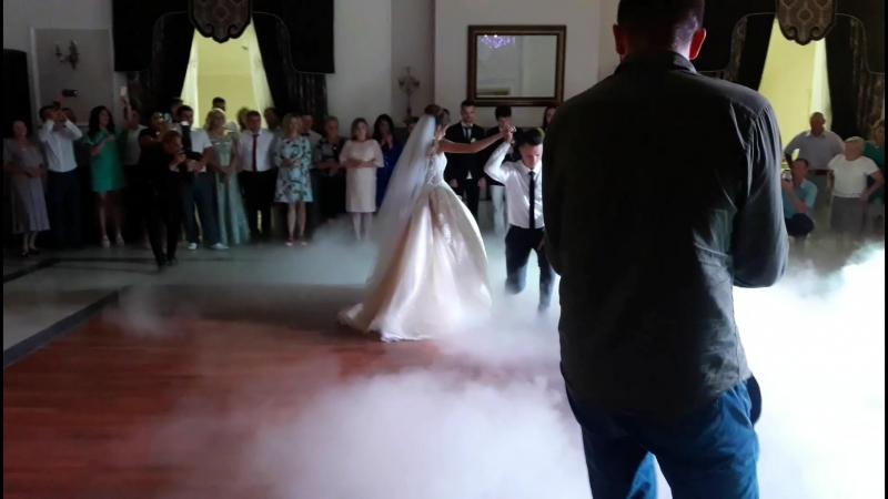 Перший танець Лілі та Руслана
