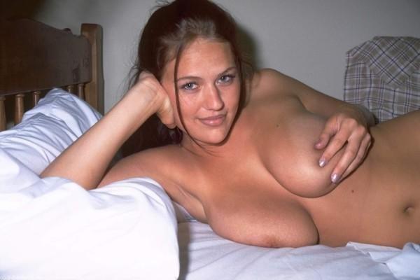 Een zeer sexy brunette neuken