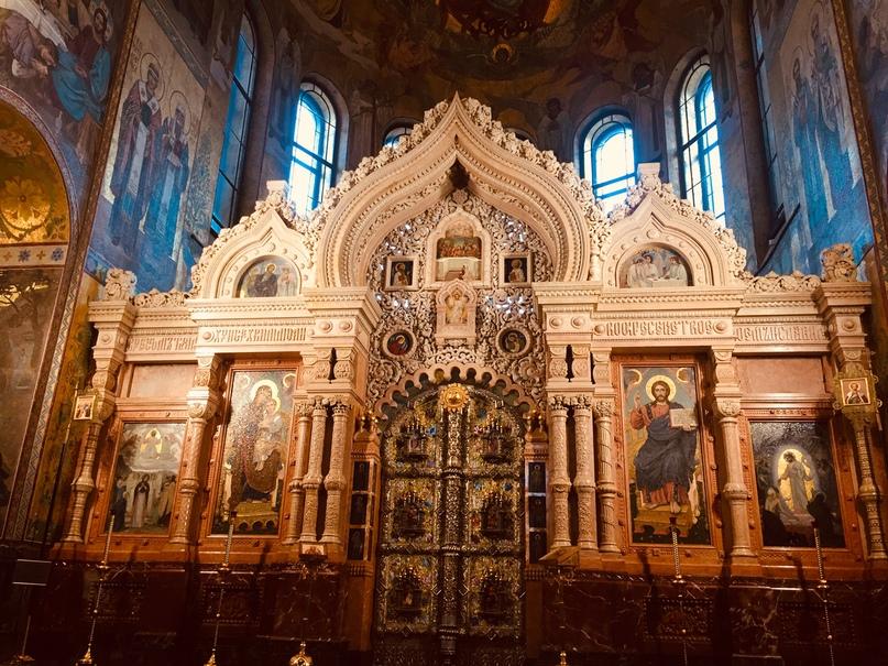 Санкт-Петербург Спас на крови и ДаблБи. Иконостас из мрамора