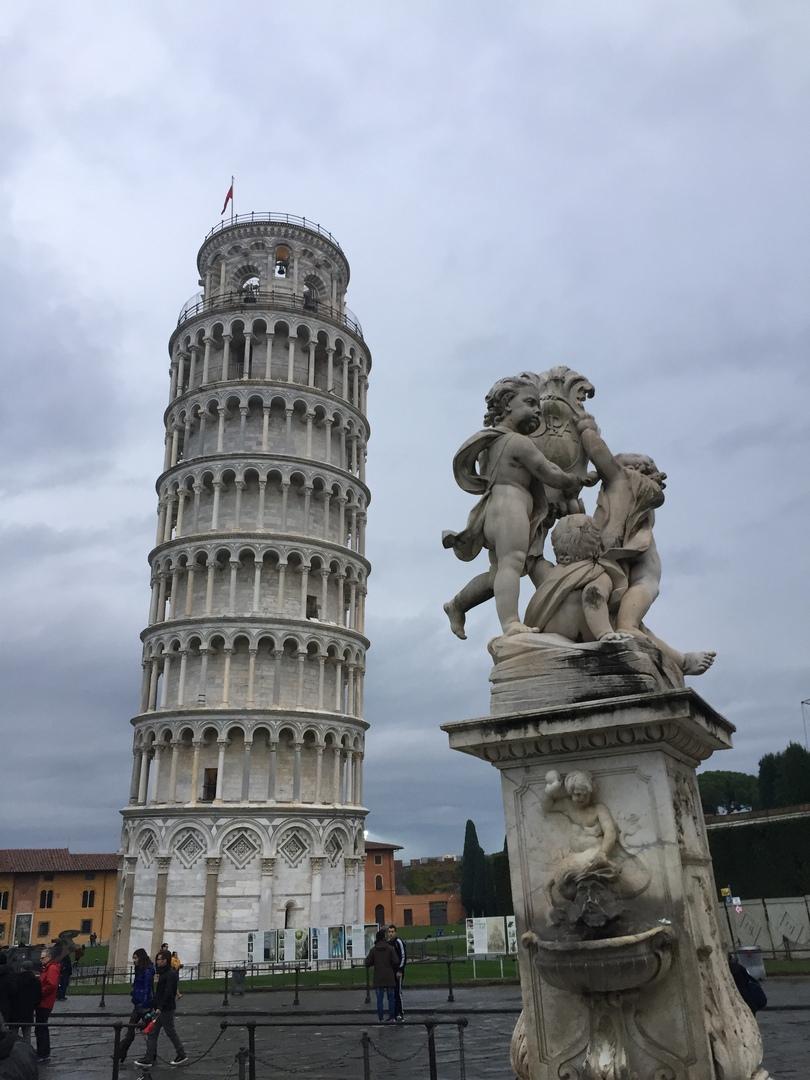 Отчет о путешествии в Италию Пиза и Флоренция. Пизанская башня с ангелочками