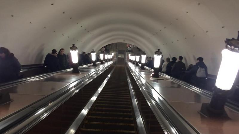 Купил собственный эскалатор в метро