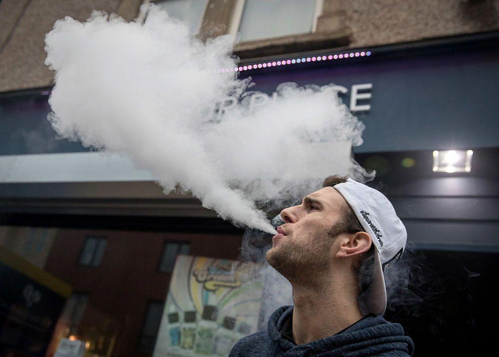Электронные сигареты с никотином не помогли бросить курить