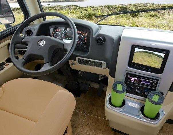 Tiffin Allegro Breeze - мечта любого путешественника Это авто даже «домом на колёсах» назвать язык не поворачивается. Перед вами, скорее, квартира на колёсах. Tiffin Allegro Breeze - поистине