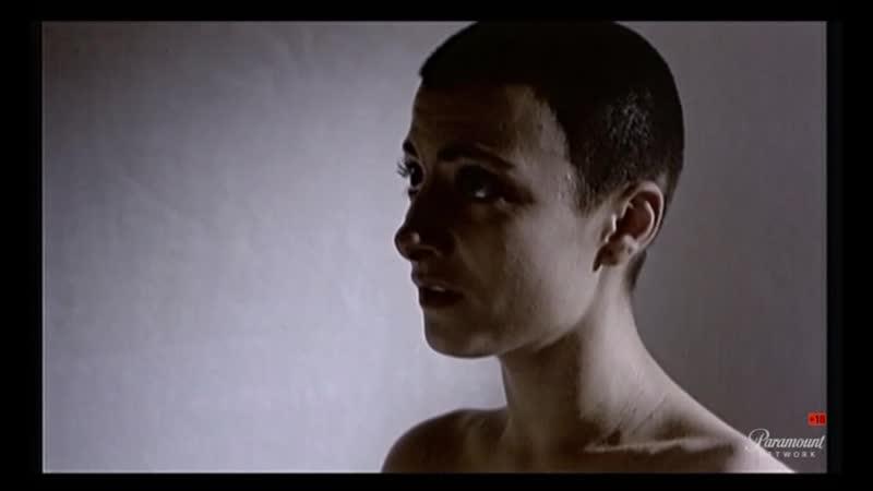 Salto al vacío (1995) Najwa Nimri sexy escene 01