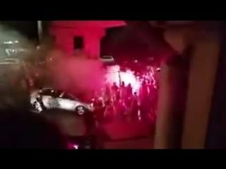 Албанцы мощно празднуют победу Швейцарии