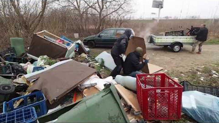 С теми кто выбрасывает мусор где попало нужно делать так