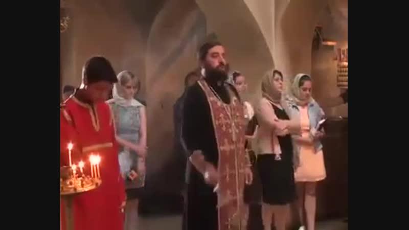 Лития по усопшим в грузинской церкви