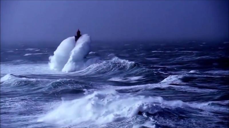Море, шторм, корабль, синяя вечность. Поет Методие Бужор