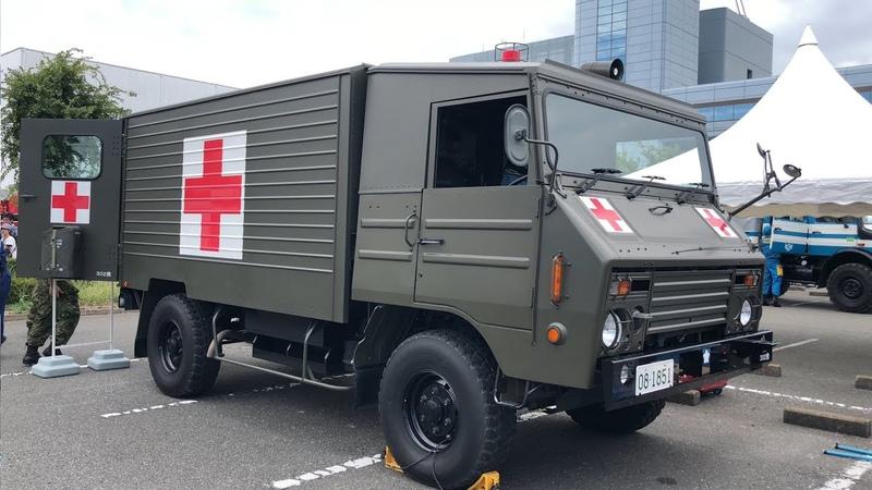自衛隊の救急車(運転席)TOYOTA